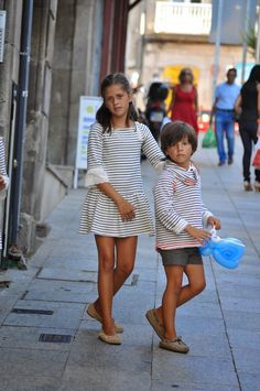 Vistiendo a tres.: Sobran las palabras... Kids Outfits Girls, Baby Boy Outfits, Kids Girls, Girls Dresses, Little Boy Fashion, Kids Fashion, Baby Phat Clothes, Cool Kids Clothes, Child Models