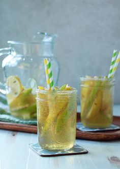 Ginger Pear White Sangria - Sweet Autumn pears and zippy ginger join up in this spiced sangria that couldn't be more perfect for the season. Maybe we could try a version of this at work. Fall Sangria, White Sangria, Fall Cocktails, Cocktail Drinks, Fun Drinks, Yummy Drinks, Alcoholic Drinks, Beverages, Sangria Recipes