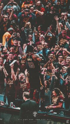 Lebron James Hintergrund – – Join in the world of pin Lebron James Lakers, Tenis Lebron James, King Lebron James, Nike Lebron, Lebron James Cleveland, Street Basketball, Basketball Workouts, Basketball Art, Basketball Pictures