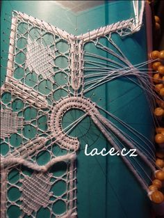 Kliknutím zavřít Lace Making, Bobbin Lace, Tatting, Diy And Crafts, Textiles, Embroidery, Crochet, How To Make, Inspiration