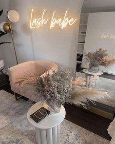 Beauty Room Salon, Beauty Room Decor, Beauty Salon Interior, Salon Interior Design, Nail Salon Design, Beauty Studio, Schönheitssalon Design, Makeup Studio Decor, Tech Room