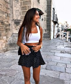 cute summer outfits for vacation Spring Outfits Casual Summer Outfits Cute outfits spring Summer Vacation Outfit Jeans, Outfit With Skirt, Hijab Outfit, Black Mini Skirt Outfit, Mini Skirt Style, Girl Hijab, Looks Street Style, Looks Style, Teenager Outfits
