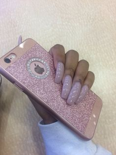 "Find and save images from the ""Nails 💅🏽"" collection by Ihatethisfr (Ihatethisfr) on We Heart It, your everyday app to get lost in what you love. Love Nails, How To Do Nails, Pretty Nails, My Nails, Stiletto Nails, Coffin Nails, Glitter Nails, Acryl Nails, Nailart"