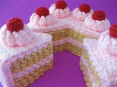 No stuff 2 layer cake crochet pattern Cupcake Crochet, Crochet Food, Cute Crochet, Knit Crochet, Crochet Birds, 2 Layer Cakes, Crochet Mignon, Food Patterns, Fairy Cakes