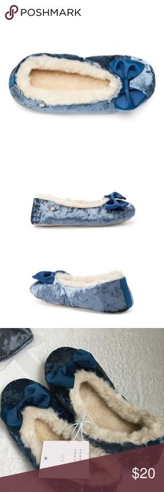 lc lauren conrad velvet plush slippers Adorable plush velvet slippers by LC Lauren Conrad. Paired with a matching sleep mask. Pretty blue with gross grain bows on toes and off-white furry insoles. Size large (9-10). Brand new with tags! / LC, Lauren conrad, Kohl's, slippers, shoes, flats, ballet slippers, plush, velvet, furry, warm, cozy, winter, blue, white, ivory, off white / LC Lauren Conrad Shoes Slippers