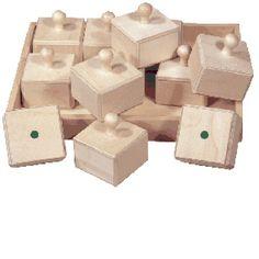 Caja de sonidos, Conjunto de 12 piezas de madera que producen diferentes sonidos. Juego de muy alto valor educativo que enseña a escuchar, diferenciar y potenciar el sentido auditivo.  Desde 34,99€ Chocolate, Audio, Wood Toys, Girls Toys, Lab, Game, Crates, Chocolates