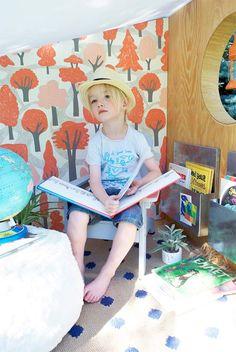 make an outdoor book nook to encourage summer reading
