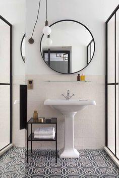 Locanda Pandenus (Milán) Decoration, New Homes, Interior Design, Mirror, Bathrooms, Italy, Furniture, Space, Home Decor