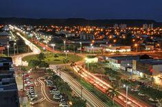 Palmas - Tocantins: A capital e maior cidade do estado de Tocantins consta no topo na lista quando o critério é desenvolvimento humano, com IDHM de 0,788. O município é jovem, foi fundado em 1989, logo após a criação do estado de Tocantins pela Constituição de 1988. Assim como Brasília, Palmas foi planejada por arquitetos antes de ser povoada e oficializada como a capital do estado. Hoje o município tem em torno de 266 mil habitantes. Crédito: Prefeitura de Palmas.