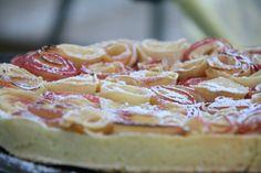 Tarte aux pommes et confiture de lait en bouquet
