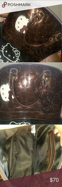869fd29b4403 Travel bag Hello kitty travel bag only used it once in really great  conditions