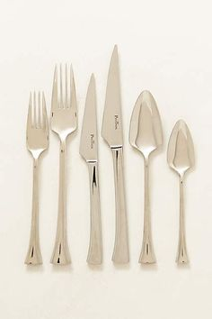 Anthropologie EU Luna Cutlery Set. Equal parts modern and classic, with a nod to the angular contours of Art Nouveau, this stainless steel set adds a refined touch to everyday gatherings and feasts.