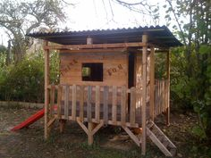 Kid's house made out of pallets