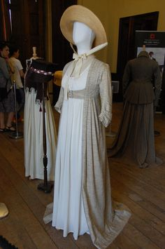Belsay Hall – Regency delights and Jane Austen – Tammy Tour Guide 1800s Fashion, 19th Century Fashion, Victorian Fashion, Vintage Fashion, Jane Austen, Regency Dress, Regency Era, Emma Thompson, Historical Costume