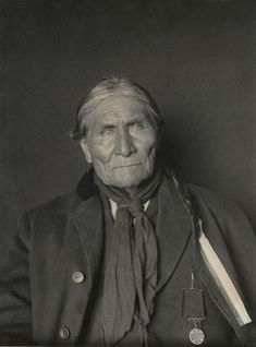 Portrait of Goyathlay (One Who Yawns),called Geronimo,Medicine Man,Prophet and Leader,with Medal. Part of Athapascan,Chiricahua and Apache Tribes. Photographer:Delancey W. Gill