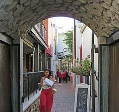 Franschhoek - Alleys lead off the main street into leafy courtyards - one could be in the south of France.