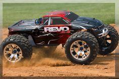 Traxxas Revo 3.3 Nitro 4WD TQi 2.4GHz RTR