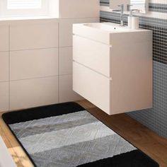 Wyjątkowa kolekcja dywaników łazienkowych Monti oczaruje domowników oraz gości swoim niepowtarzalnym wzornictwem oraz modną kolorystyką. Jego spód został pokryty antypoślizgową powłoką. Utrzymanie ich w czystości również nie będzie problemem. Wystarczy wyprać je w pralce, w temp. 30 stopni. Komplet składa się z dwóch dywaników o rozmiarach: 50 cm x 80 cm oraz 40 cm x 50 cm. #dywanikiłazienkowe #dołazienki #dywan #dywanik #dywanikłazienkowy #kompletłazienkowy #łazienka #bathroom #bathroomset Filing Cabinet, Rugs, Storage, Furniture, Home Decor, Products, Farmhouse Rugs, Purse Storage, Decoration Home