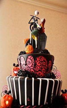 Brimming with jack-o-lanterns and everlasting love, this The Nightmare Before Christmas inspired cake is hauntingly beautiful and every bit a ghoulish treat