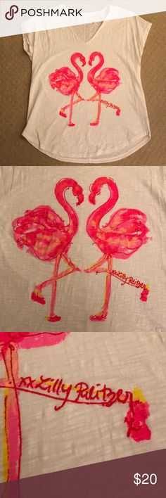 Lilly Pulitzer Colie Top Nice Stems S Flamingo Tee Adorable Colie top from Lilly Pulitzer features flamingo print Nice Stems and Lilly logo signature. Size small. Good preowned condition. Lilly Pulitzer Tops Tees - Short Sleeve