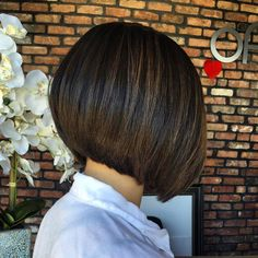 "Gefällt 506 Mal, 2 Kommentare - @bobbedhaircuts auf Instagram: ""PRECISION cut & Keratin Treatment on @aayyliss. This bob looks amazing, the perfect length and…"""