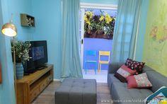 LAR DOCE LAR - A sala da nova casa adquiriu um ar leve e fresco com a decoração