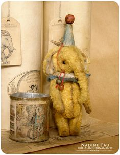 Old-fashioned dolls and accessories, omg! I am in LUV!!