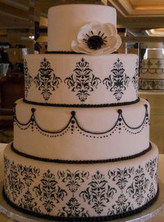 Pretty Black and White Wedding Cake ~ Photo by Starlte Jewelry Designs ~ Bridal Show