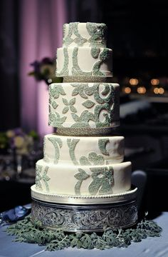 Check out these 40oh so very prettywedding cakesfrom Bobbette & Belle, we absolutely adore them. Bobbette & Belle wedding cakes are designed to be chic and elegant in appearance while being executed to perfection in both flavour and style. Take a look and get inspired… Thank you toKrista Fox for all the amazing images, to […]