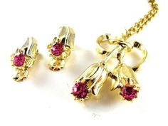 Lovely Vintage Jewelry Set Floral Designed Necklace by hipcricket, $22.00