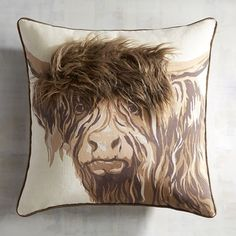 When it comes to pillows, we like to think of ourselves as pioneers. Case in point: Our bull pillow features a furry mane that gives it added dimension and is perfect for a modern farmhouse.