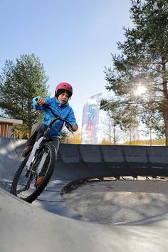 In autumn 2016 Lappset's Pumptrack toured to Jyväskylä schools. Students were really excited to got a chance to try drive on the Pumptrack by bikes and scooters. The schools that tested Pumptrack were Keltinmäki, Keski-Palokka and Kuokkala. Children Garden, Kids Moves, Children's Place, Scooters, Yards, Schools, Students, Exercise, Autumn