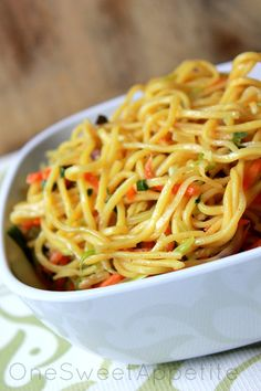 Easy Veggie Lo Mein using broccoli slaw. Sauce ingredients: soy sauce, brown sugar, rice wine vinegar, chinese 5 spice, and sesame oil