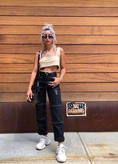 72155321bf08 Fashion Line, 90s Fashion, Urban Fashion, Dad Sneakers, Looks Lindos, Pretty