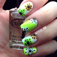Retro flower nails by IG @Kimberly Chapa #nail #nails #nailsart    Check out http://www.nailsinspiration.com for more inspiration!