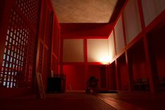 Interior do Templo Shingonshu Honpukuji ou Templo das Águas, na ilha de Awaji, Japão. Arquiteto: Tadao Ando. Fotografia: Ken Conley.
