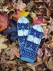 Ravelry: Russian Roses Mittens pattern by Natalia Moreva