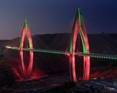 Maior ponte suspensa de África equipada com sistema de iluminação inteligente