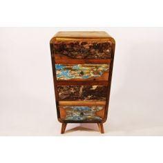 komoda z drewna recyklingowanego ze starych łodzi