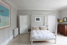 Period Home Crush, white cast iron radiator