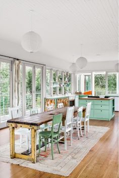 Kitchen and dining area with mint touches | Daily Dream Decor    ᘡղbᘠ