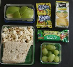 The Glamorous Housewife: Real Kid's Lunch Ideas.or real me lunch ideas Lunch Snacks, Cold Lunches, Healthy Snacks, Healthy Kids, Kids Lunch For School, School Lunches, Cold Lunch Ideas For Kids, School Ideas, Toddler Meals