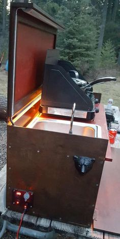 Built a camp kitchen for my girlfriend's Jeep - Imgur
