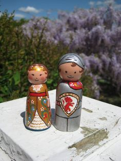 I'm planning to make some peg people knights and other medieval characters with the kids. These are adorable.