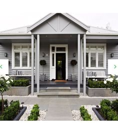 Front Yards Welcoming front yard garden - Expert tips on how to transform your front garden to create curb appeal and welcome visitors. House Paint Exterior, Exterior House Colors, Exterior Design, Bungalow Exterior, Cottage Exterior, Grey Exterior Houses, House Ideas Exterior, Simple House Exterior, Exterior Homes