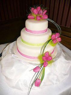 bright pink tulip cake