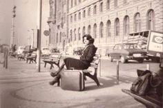 Beklemenin en güzel hali... Haydarpaşa, 1970ler  #birzamanlar #istanlook