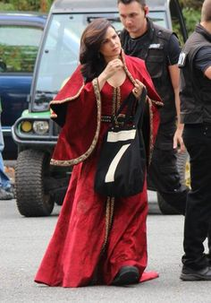 Lana arriving on the OUAT set - August 28, 2015