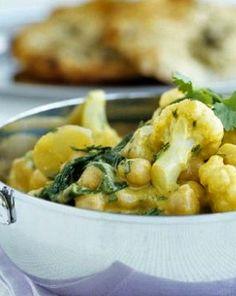Hmm, vegetarisches Blumenkohl-Kichererbsen-Curry: http://kochen.gofeminin.de/rezepte/rezept_blumenkohl-kichererbsen-curry_336593.aspx