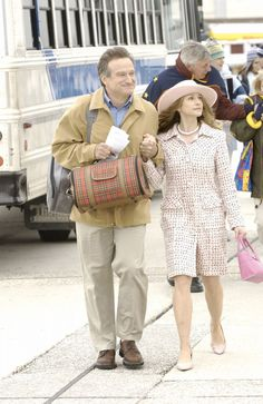 """""""The Big White"""" movie still, 2005.  L to R: Robin Williams, Holly Hunter.  After the completion of this film, Hunter began a hiatus from movies."""